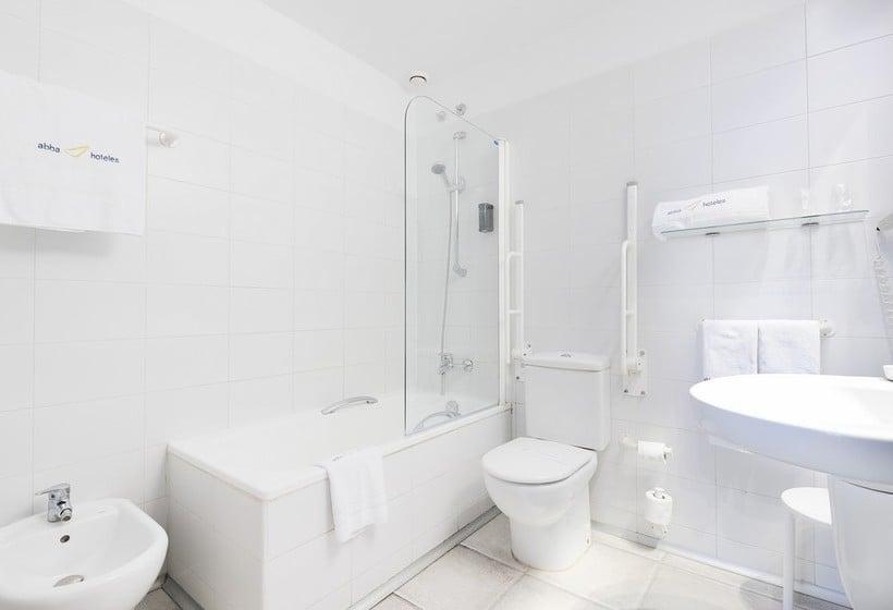 Bathroom Hotel Abba Jazz Vitoria Vitoria-Gasteiz