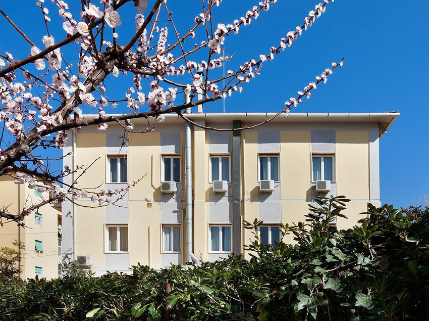 Parking hotel giardino livorno italia da u ac hotelmix