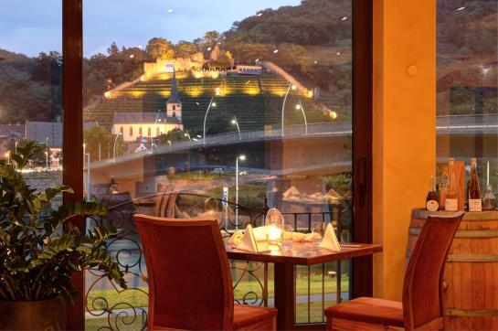 Hotel Schone Aussicht Klingenberg Die Besten Angebote Mit Destinia