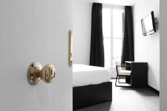 Amra hostel a barcellona a partire da 89 destinia for Barcellona albergo economico