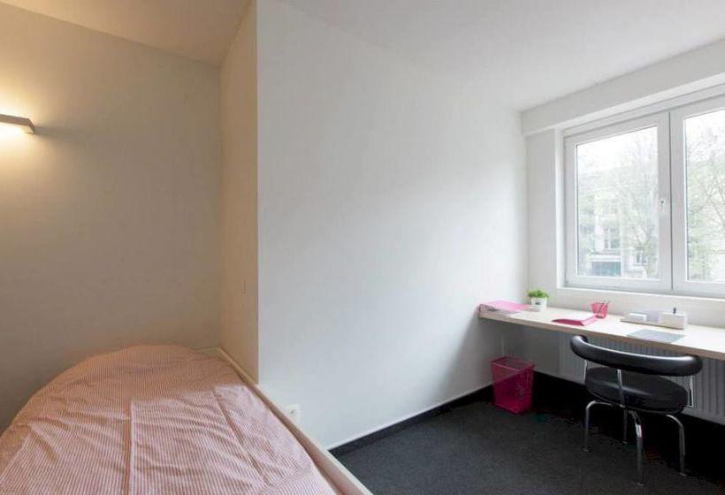 https://f.otcdn.com/imglib/hotelfotos/8/375/antwerp-student-hostel-amberes-017.jpg