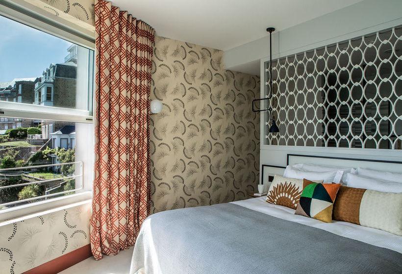 hotel castelbrac in dinard ab 99 destinia. Black Bedroom Furniture Sets. Home Design Ideas